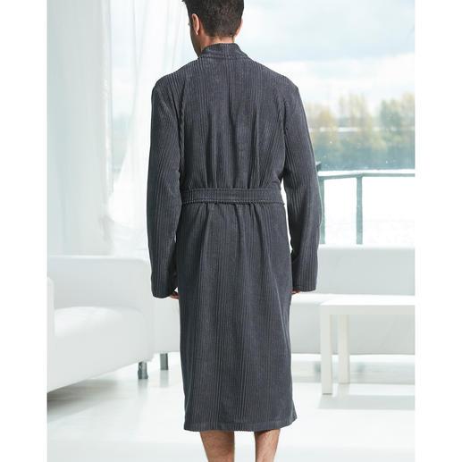 Taubert Gentleman-Bademantel Maskuline Cord-Optik statt Flausch-Frottier. Der Gentleman-Bademantel vom Homewear-Spezialisten Taubert.