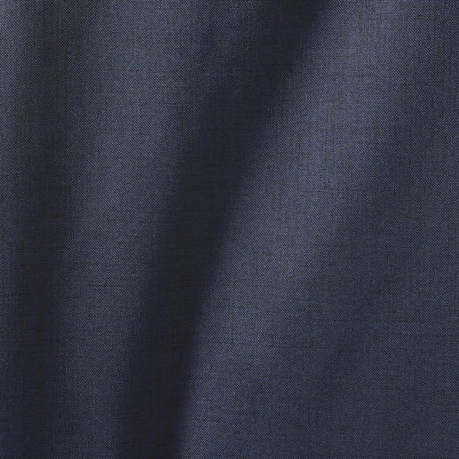 Norwegian Rain Damen-Regenmantel Ihr wohl stilvollster Regenmantel ist nach Massschneider-Art konfektioniert. Wasserdicht. Winddicht. Atmungsaktiv. Aus japanischem Hightech-Material in Tuch-Optik.