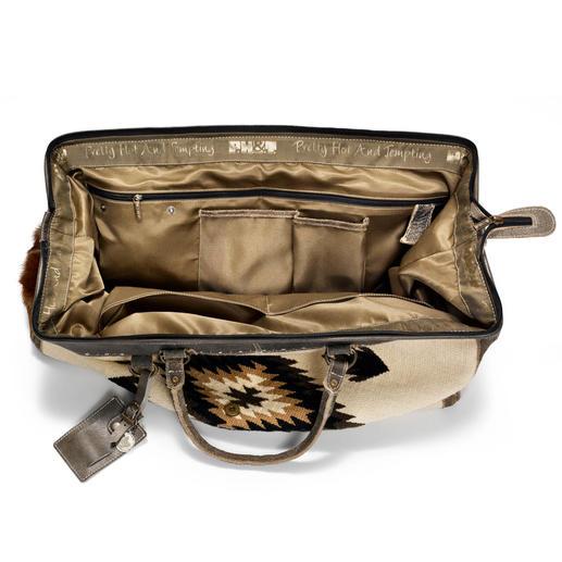 Kelim-Reisetasche Der Weekender aus handgefertigtem Kelim mit Büffelleder- und Ziegenfell-Details. Vom Ethno-Label PH&T.