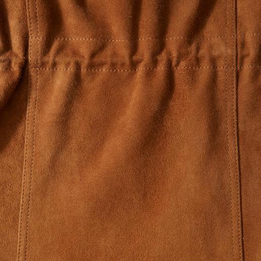 Lagerfeld Ziegenvelours-Fieldjacket Die beste Lederjacke für den Sommer ist aus seidenweichem Ziegenvelours. Luftig-leicht, da ungefüttert. Von Lagerfeld.
