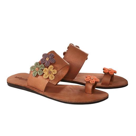 laidbacklondon Perlen-Flats Traditionelles afrikanisches Kunsthandwerk: der Schuh-Trend des Sommers.