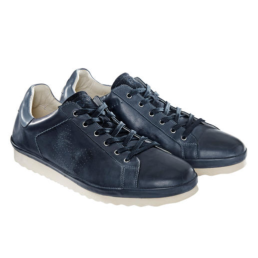 So leicht und flexibel wie nur wenige. Der Leder-Sneaker in rar gewordener California-Machart. Made in Portugal. Von COM.