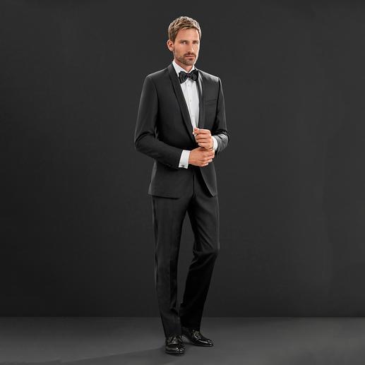 Karl Lagerfeld Smoking-Jackett oder -Hose Zeitgemäss schlanke Passform, edles Wolltuch: Für einen Designer-Smoking müssen Sie nicht mehr als 668.– Franken ausgeben.