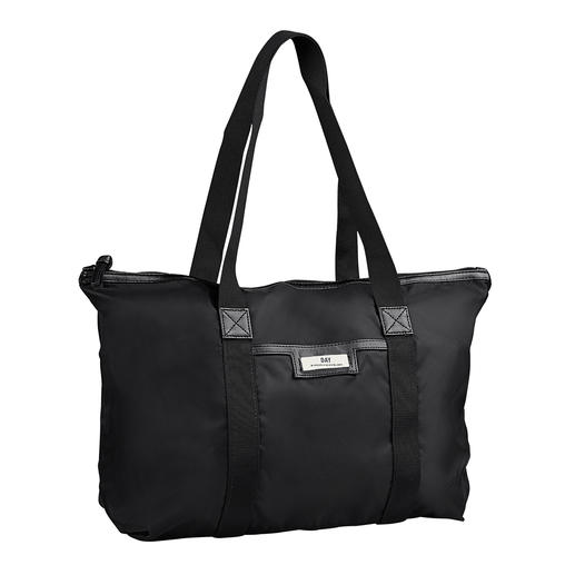 Day Nylon-Beauty-Bag oder -Shopper So chic (und so stilvoll) kann ein praktischer Nylon-Shopper sein. Design von Day Birger et Mikkelsen.