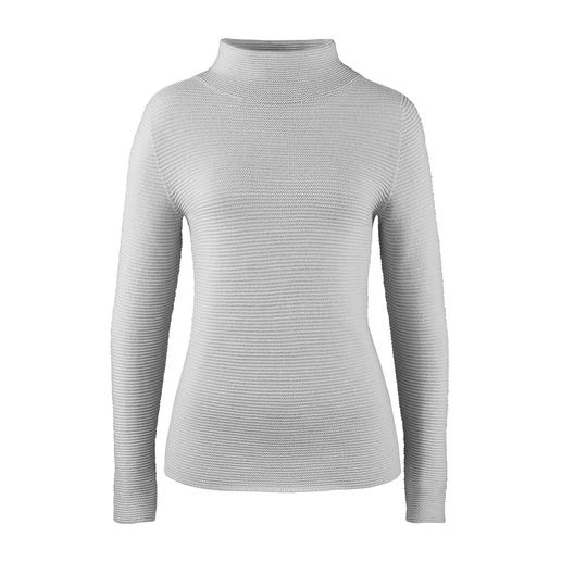 Der Pullover mit aktuellem Turtleneck-Kragen. Von Gran Sasso/Italien. Aktueller Rippenstrick – aber aussergewöhnlich fein und feminin.