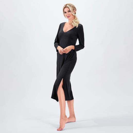 Bleyle Couture-Nachtkleid Ihr wohl elegantestes Nachtkleid. Fliessender, hochelastischer Stoff. Modische Maxi-Länge.