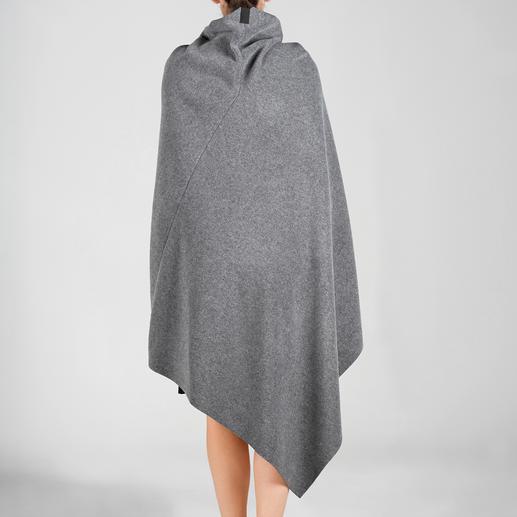 Henriette Steffensen Fleece-Poncho oder -Rock Die feminine Art Fleece zu tragen. Skandinavisches Design made in Kopenhagen.
