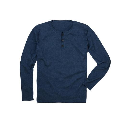 Der Henley-Pullover aus edlem Feinstrick statt T-Shirt-Jersey. Unvergleichlich weich dank handgepflückter peruanischer Pima-Cotton.