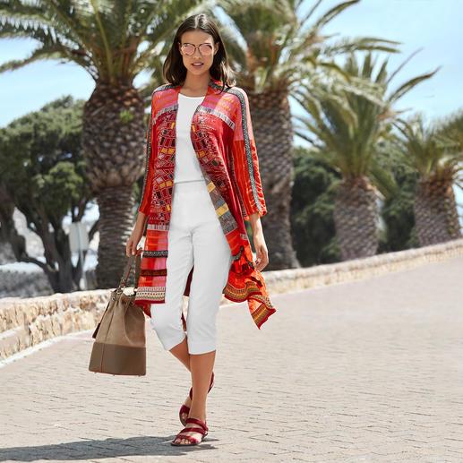 IVKO Kimono-Strickjacke Aussergewöhnlich vielfarbiger Jacquard-Strick in modischer Kimono-Form. Eine Rarität aus Serbien.
