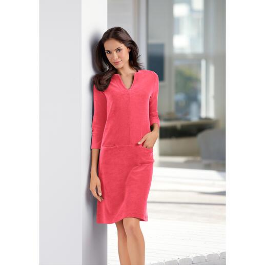 Frottier-Relax-Kleid Bequem wie ein Homesuit. Aber viel charmanter.