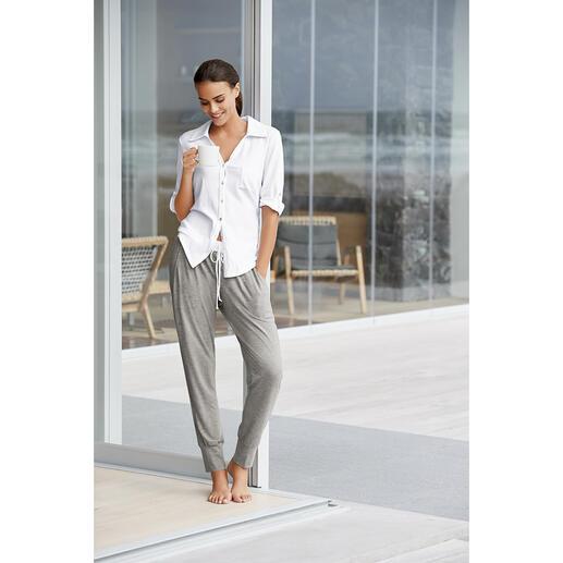 Charmor Casual-Pyjama Die neue Generation Pyjama: Clean. Modern. Im lässigen Athleisure-Look. Vom traditionsreichen deutschen Wäschehersteller Charmor.