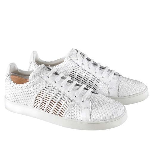 Dauerbrenner weisse Sneakers: durch Flechtleder interessanter und luftiger als die meisten. Vom Flechtleder-Spezialisten Allan K.