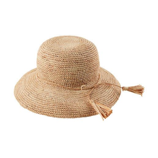 Soft und flexibel dank handgehäkeltem Raffia-Bast: Der bruchfeste Strohhut. Soft und flexibel statt steif und sperrig: der bruchfeste Strohhut aus Raffia-Bast. Handgehäkelt.