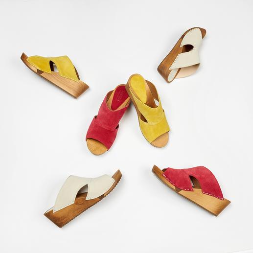 """Sanita® Holz-Pantoletten """"Hygge"""" für Ihre Füsse: modische Holz-Pantoletten aus weichem Veloursleder und mit komfortabler Flex-Sohle."""
