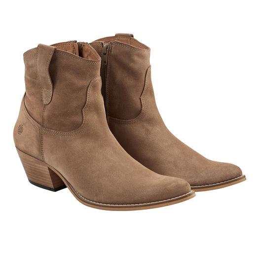 Klassischer können hochmodische Cowboy-Boots kaum sein. Kultige Form. Naturfarbenes Veloursleder. Kernige Steppnähte. Kein Schnickschnack. Von Apple of Eden.