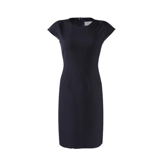 NVSCO Cropped-Hose, Shift-Kleid oder Couture-Blazer Blazer, Hose und Kleid in zeitgemässem Schnitt, perfekter Passform und aus kofferfreundlichem Material. Von NVSCO.