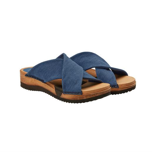 """Sanita® Holz-Pantoletten """"Hygge"""" für Ihre Füsse: modische Holz-Pantoletten mit komfortabler Flex-Sohle und weichen Cross-Bändern."""