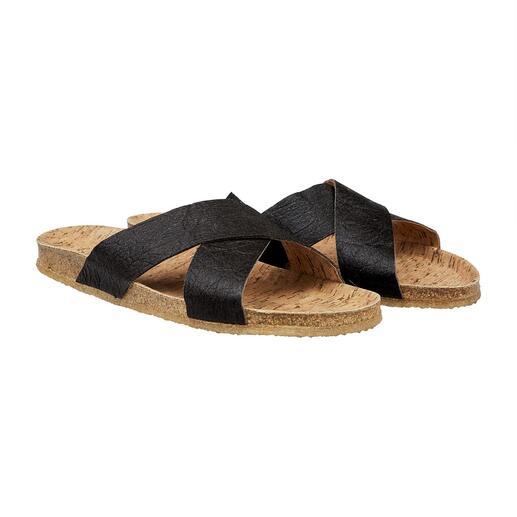 Die vegane Sandale mit bequemem Kork-Fussbett und flexibler, rutschfester Kautschuk-Sohle. Gut zur Umwelt. Und gut zu Ihren Füssen.