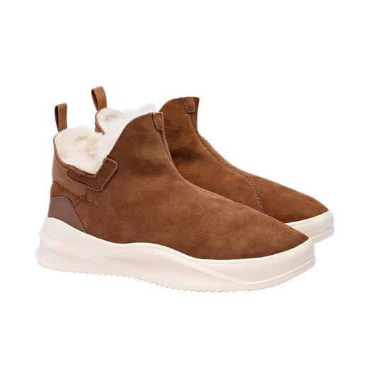 Die geliebten Lammfell-Boots in neuem Look. Schlanker Leisten. Trendige Sneaker-Sohle. Premium-Qualität von Pajar® aus Montreal/Kanada.