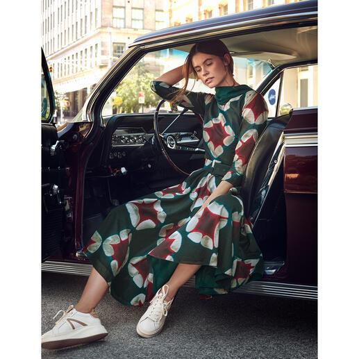 Der elegante Retro-Stil der 40er- und 50er-Jahre – von der Meisterin des Fachs: Samantha Sung. Der elegante Retro-Stil der 40er- und 50er-Jahre – von der Meisterin des Fachs: Samantha Sung.
