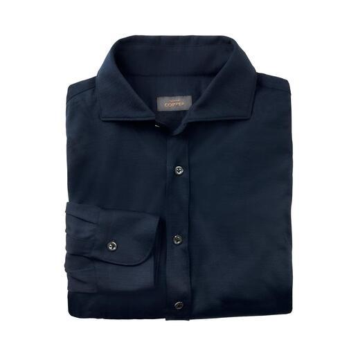 Das Hemd aus seltenem italienischen Woll-Jersey. Konfektioniert von Edward Copper. Elegant wie ein Business-Hemd. Wärmend wie ein Feinstrick-Pulli. Bequem wie ein T-Shirt.