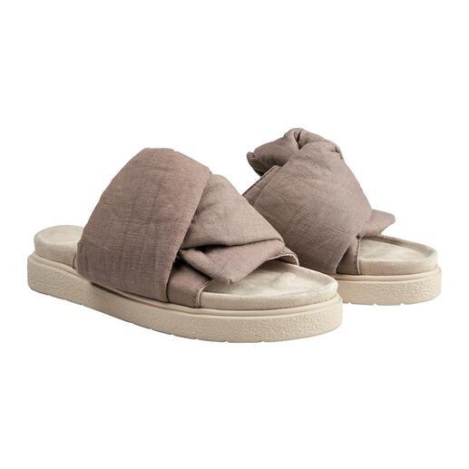 Die Fashion-Pantolette vom Schweizer In-Label Inuikii. Edler als all die Trend-Schlappen im Gesundschuh-Look. Aber genauso bequem.