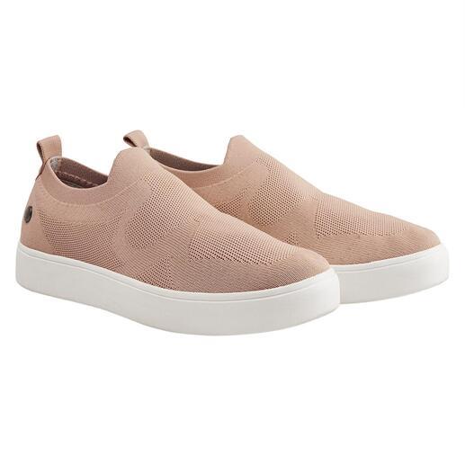 """Der Fashion-Hit aus New York: sportliche Knit-Sneaker vom """"Master of woven footwear"""" bernie mev. Bequemer, leichter und luftiger können gestrickte Sneaker kaum sein."""