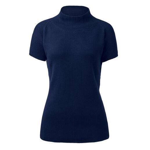 Der feminine Kurzarm-Pullover für jeden Anlass: unübertroffen weich und doch robust. Peruanische Pima-Cotton ist selten. Noch seltener werden so feine Rippen daraus gestrickt.