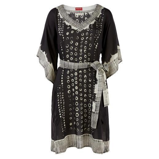 Das schwarz-weisse Tunika-Dress vom vielbesprochenen Hippie- und Ethno-Label RYY Australia. Ethno-Style auf edle und erwachsene Art.