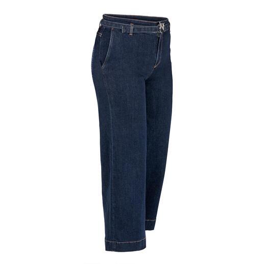 Die modische Culotte-Jeans in eleganter Erwachsenen-Version. Von Pinko, Italy. Klassische Leibhöhe. Dezente, dunkle Waschung. Schmückender Gürtel mit unverkennbarer Label-Schliesse.