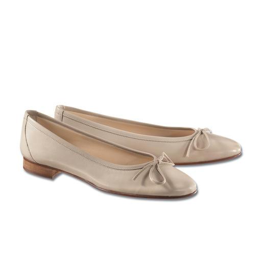 Ballerinas: die besonders feine Art, flache Schuhe zu tragen. Sensationell bequem und schick. Von Casanova/Italien seit 1949.