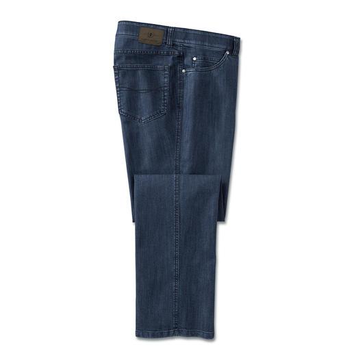 Die Jeans mit T400®: Kein Ausbeulen. Viel weniger Sitzfalten. Und über Nacht trocken. Sieht immer gepflegt aus - 24 Stunden am Tag.