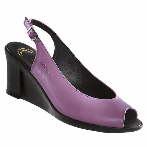 Arcus Latex-Keil-Sandale, Violett - Endlich ein modischer Keilabsatz, der wirklich bequem ist. Stoss absorbierendes Latex macht ihn so aussergewöhnlich flexibel.