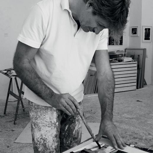 Thomas Kleemann bemalt jedes der 40 Exemplare von Hand.