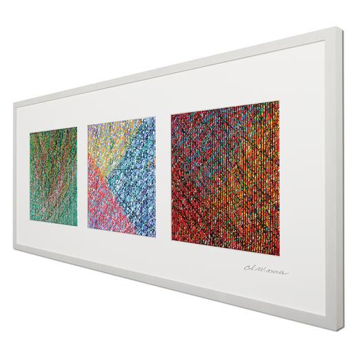 Schauen Sie die Bilder von rechts an, ist ein buntes Spiel in intensiver Farbigkeit zu erkennen.
