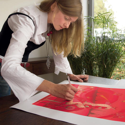 Jedes Exemplar von Veronika Weltmaier handübermalt.