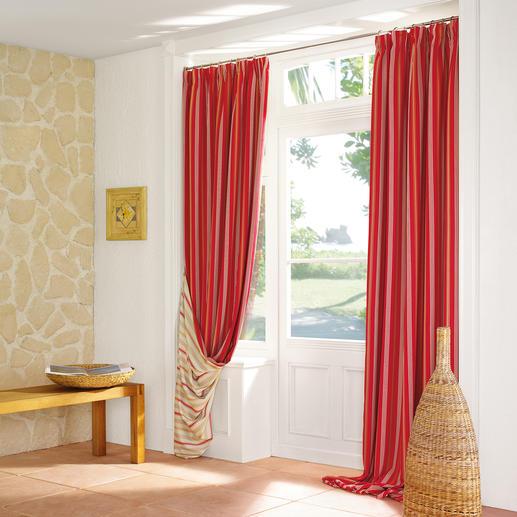 Vorhang Rayé Sonnige Markisenstreifen halten Licht und Wärme ab.