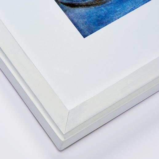 Der Künstler fertigt jeden Rahmen von Hand. Unebenheiten und unterschiedlich starke Farbaufträge belegen die 100%-ige Handarbeit.