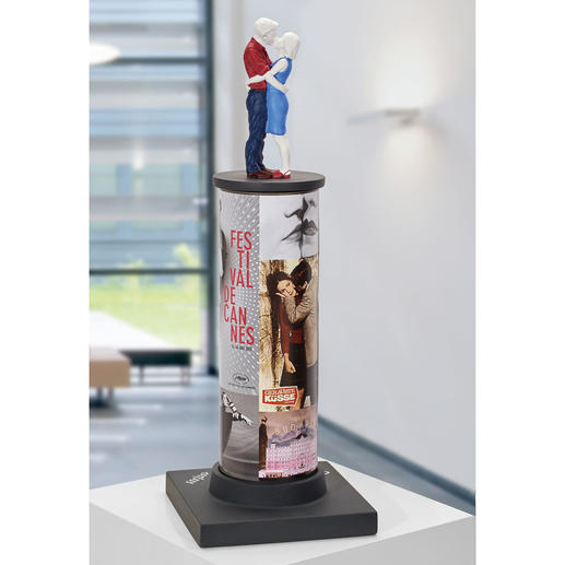 """Die 43 cm hohe Skulptur zeigt u.a. das Festival in Cannes und die Filme """"La Flor de mi Secreto"""" und """"Geraubte Küsse""""."""