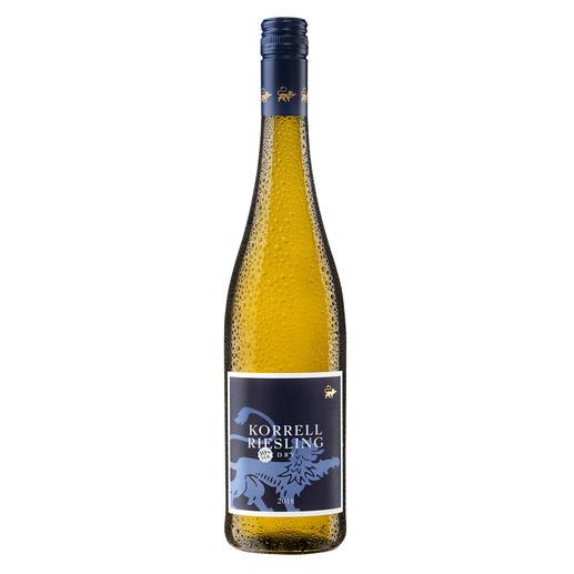 Korrell 10 % 2018, Weingut Korrell, Deutschland Seltenheit: Trockener Riesling. Nur 10 % Alkohol. Und dennoch voller Genuss.