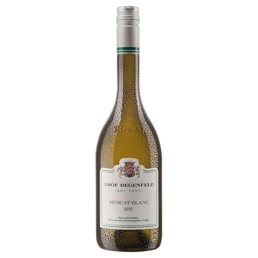 Tokaj Muscat Blanc 2019, Gróf Degenfeld Wine Estate, Tokaj, Ungarn Weltberühmt für seine edelsüssen Weine. Doch der Geheimtipp ist dieser Tokaj Muscat Blanc.